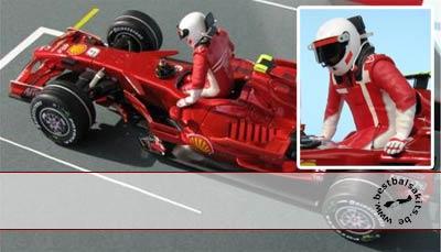 GF MODELS 1/24 2007 RAIKKONEN DRIVER FIGURE PUSHING OUT