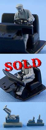 NORTHSTAR 1/43 FIGURINI TRUCK DRIVER SEATED BEHIND STEERING WHEEL